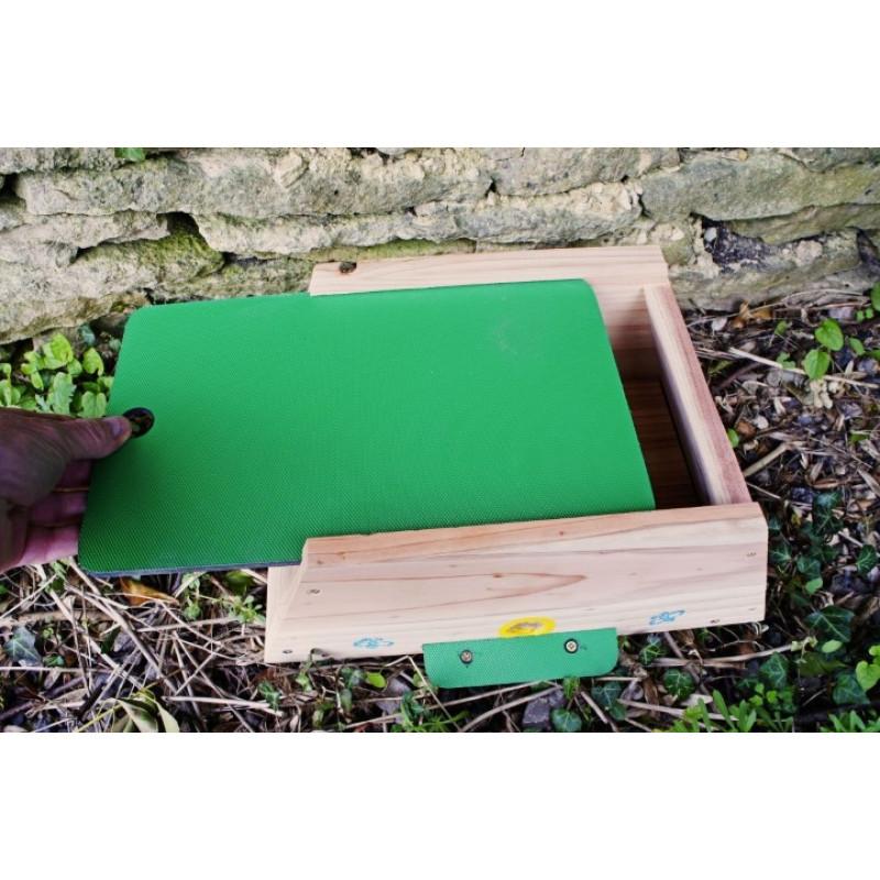 Bumble Bee Nesting Box - British Wild Bird Food and ...